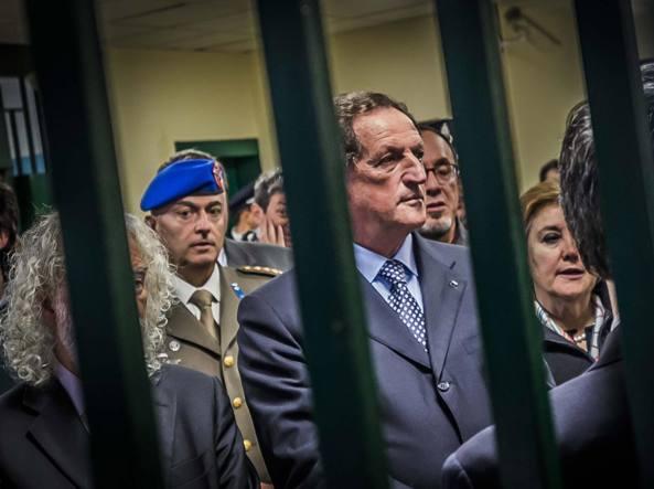 Buongiornolink - Mario Mantovani, indagato per peculato gip di Milano dispone sequestro di beni per 1,3 milioni
