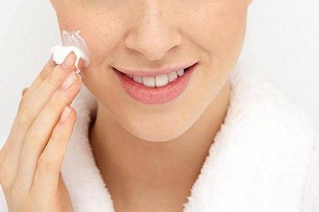 Cách đơn giản để da không bị khô, nứt nẻ bong tróc vào mùa lạnh