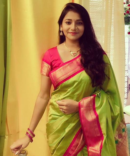 Jui Gadkari (Actress) Wiki,Bio,Age, Height, Career, Awards and Many More
