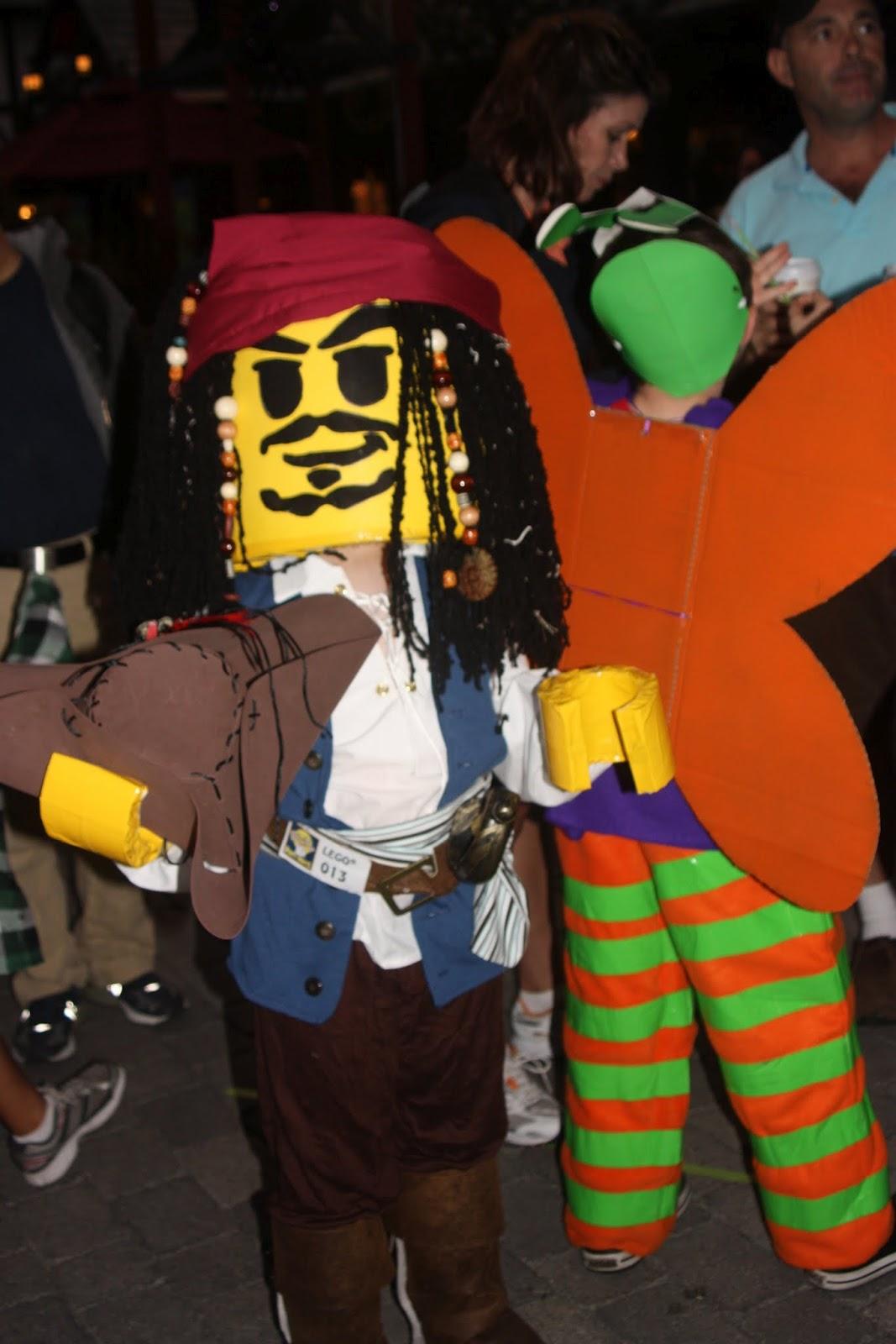 u0027Duct tape manu0027s best friendu0027 or u0027How to make a Lego Jack Sparrow costumeu0027  sc 1 st  Crafty Lady/Working Mom & Crafty Lady/Working Mom: u0027Duct tape: manu0027s best friendu0027 or u0027How to ...