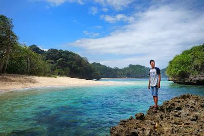 Pantai Kedung Celeng Malang, Rute Jalan dan Harga Tiket Masuk Terbaru