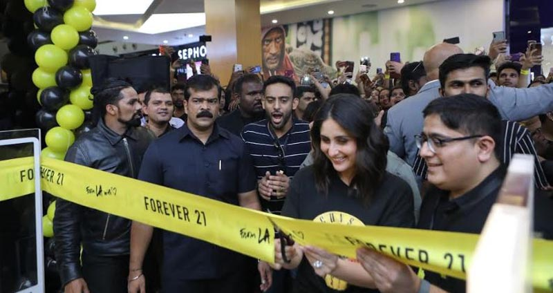 Kareena Kapoor Khan launching the All New Forever 21 at Orion Mall, Bangalore