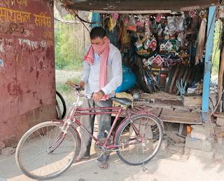लॉकडाउन में जीवन की सायकल की चेन उतर गई थी, मुख्यमंत्री ग्रामीण स्ट्रीट वेण्डर योजना से फिर चलने लगी सायकल