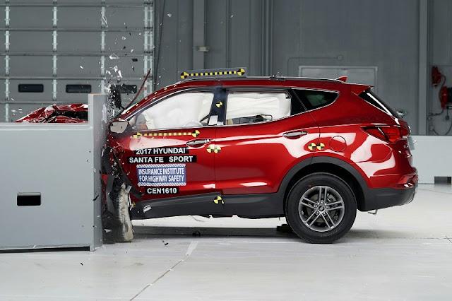 Giới thiệu Hyundai SantaFe 2.2L máy dầu phiên bản tiêu chuẩn 2WD ảnh 13