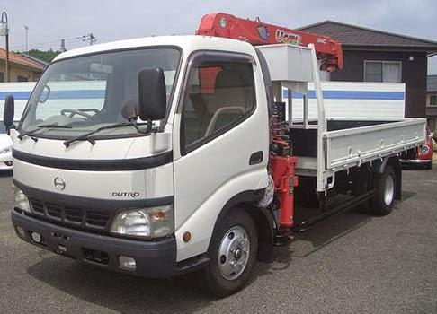 ユニック 廃車  ユニック車とは、荷台、もしくは運転席と荷台の間にクレーンを搭載したトラ...