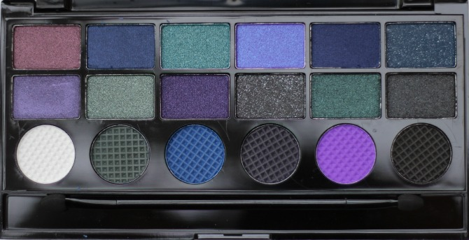 Give Them Nightmares palette from Makeup Revolution pans