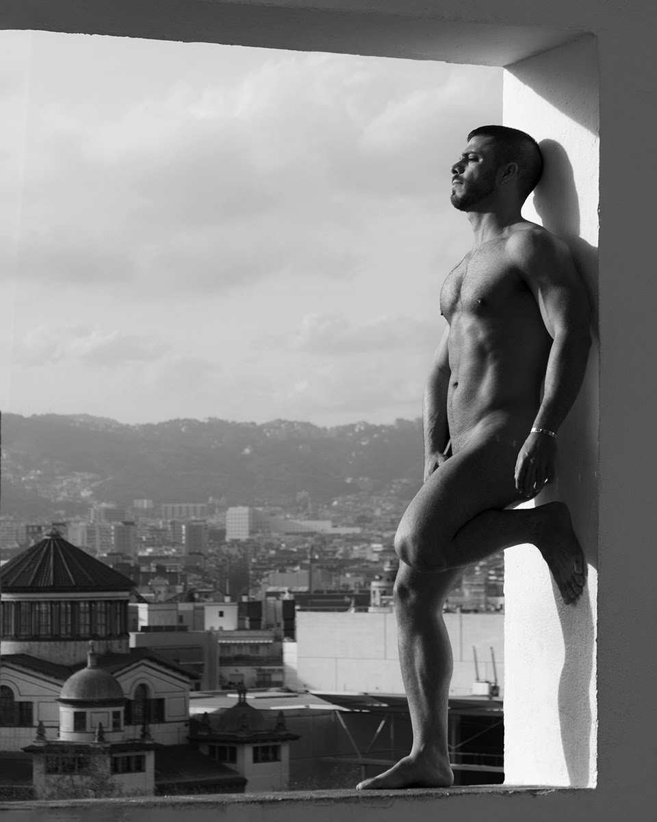 the VieW, by Ivan Lerez ft Carlitos (NSFW).