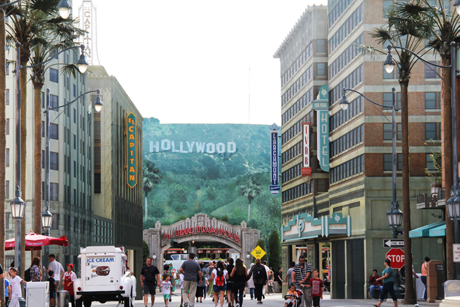 disney land paris  hollywood sign
