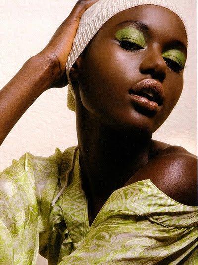 maquillaje sombras pistacho