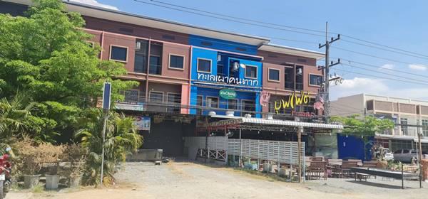 ขายด่วน อาคารพานิชน์ เมืองตาก 3 ชั้น 3 ห้องนอน ห้องใหม่ยังไม่เคยมีผู้อยู่อาศัย โทร 0929282824