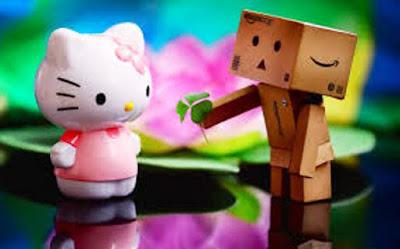 Download Gambar Wallpaper Lucu Danbo dan Hello Kitty