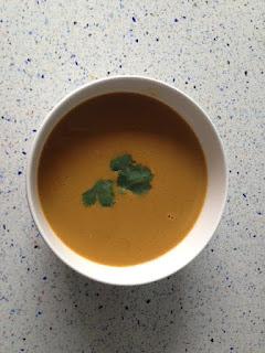 Presentación crema de mejillones y azafrán