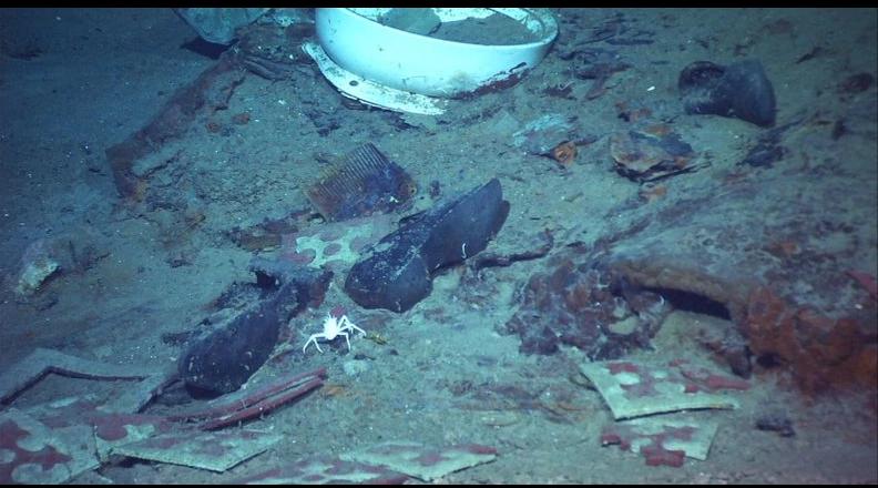 Foto tomada en el 2004 de reliquias del Titanic, que se hundió en el océano Atlántico en 1912 / WEB