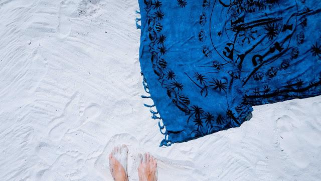 idealny ręcznik na plażę