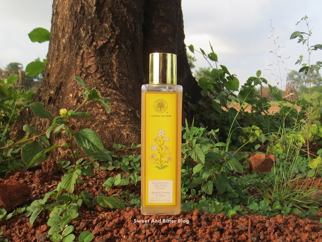 Forest Essentials SILKENING SHOWER WASH Madurai Jasmine and Mogra Review
