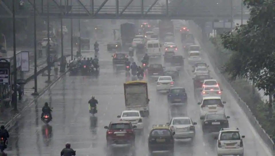In pictures: Streets waterlogged, trains affected as heavy rains lash Mumbai