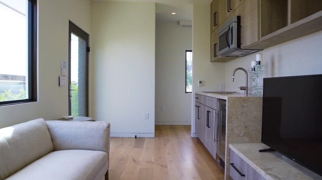 41 Interior Design Photos vs. 24146 Malibu Rd, Malibu, CA Ultra Luxury Home Tour