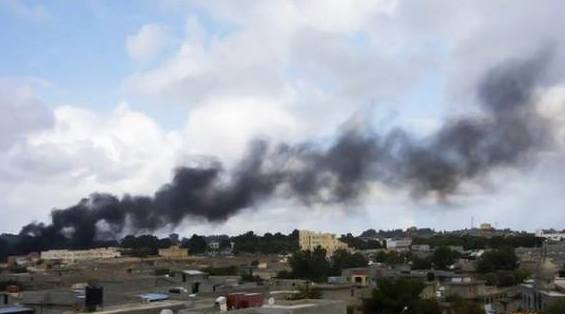 انفجارات شديدة بليبيا صباح اليوم