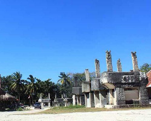 Tinuku.com Travel Praiyawang Village, the oldest East Sumba royal aristocratic complex preserving megalithic tombs and Kabokang dance