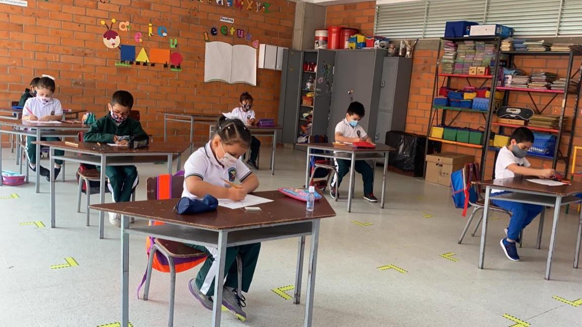Más instituciones educativas iniciaron clases presenciales esta semana