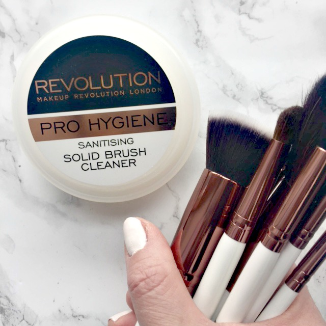 Solid makeup brush cleaner