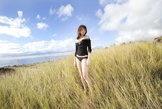 shizuka nakamura sexy cleavage pics 02