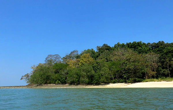 Jemuruk Island Kubang Badak