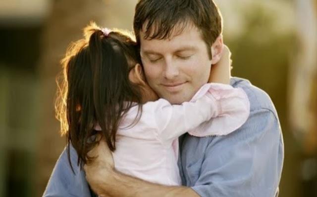 Manfaat Pelukan Orangtua Kepada Anak
