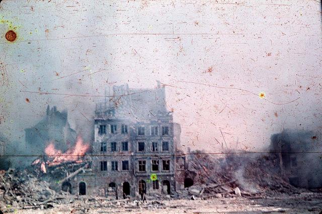 [Viajando na História] O mês de Setembro na História - Centro antigo de Varsóvia declarado Patrimônio da Humanidade pela UNESCO
