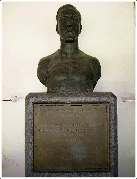Statue Pichichi