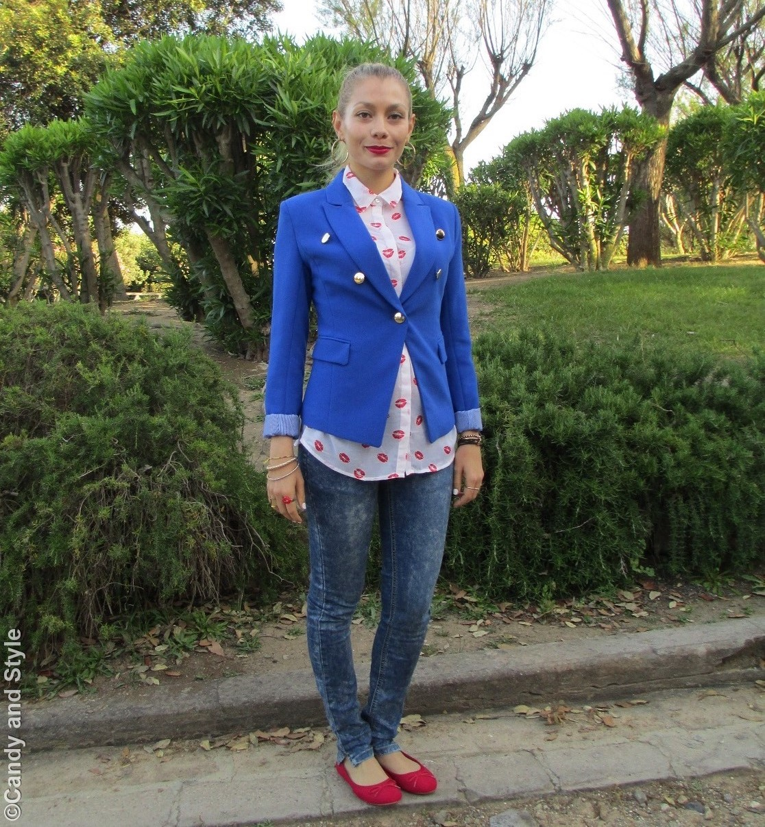 Royal Blue Blazer, Red Lips Blouse, Denim, Flats - Lilli Candy and Style Fashion Blog