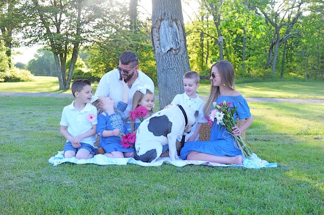 Mother's Day photo, Family Photo, Family Mother's Day Photo, Family Photo with bubbles, Old Navy off the shoulder chambray dress, target girls chambray dresses