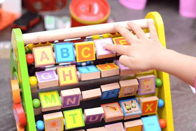 ألعاب تعليمية للأطفال بالانجليزية Tons of Fun with Great Educational Toys for Kids