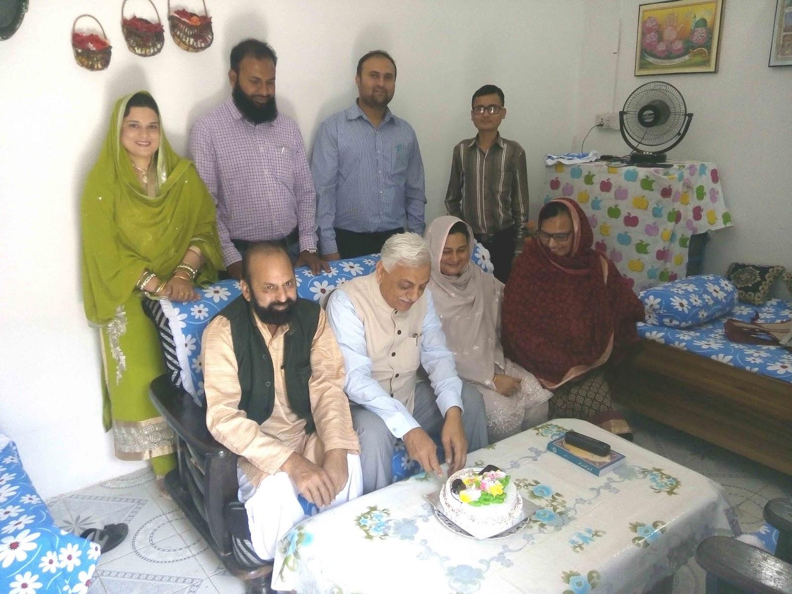 Kokab Khawaja Cake Recipes In Urdu: Urdu Poet And Writer Muslim Saleem