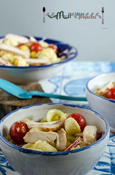 ensalada-pasta-pollo-salsa-aguacate4