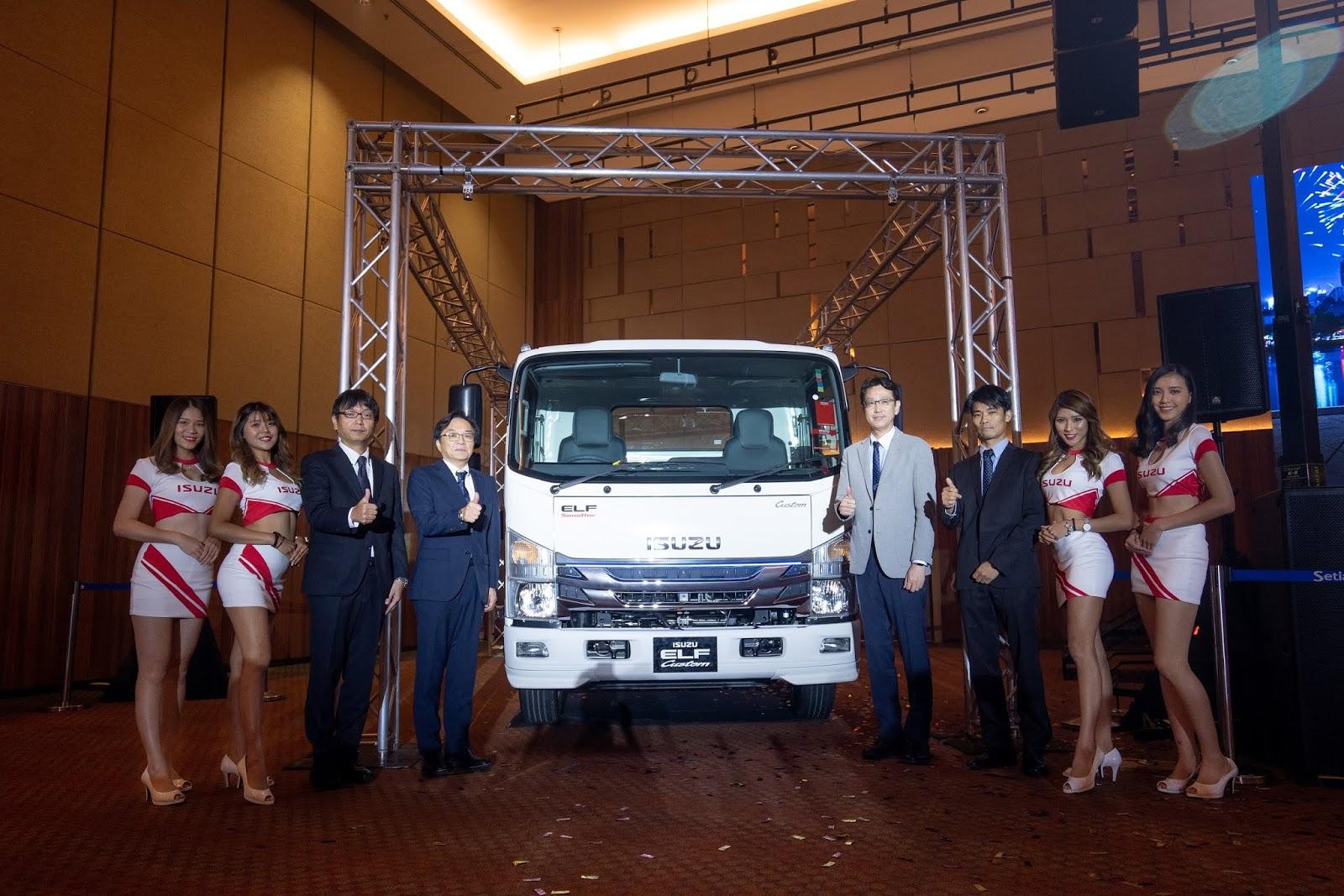 Motoring-Malaysia: Isuzu Malaysia Launches The Latest Isuzu ELF and