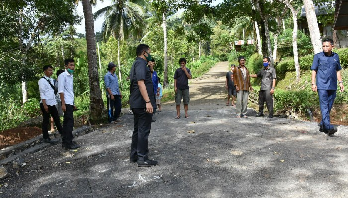 Komisi III DPRD Datangi Beberapa Lokasi Pembangunan Fisik di Sinjai Tengah. Ada Apa?