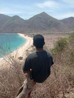 Pantai Rontu Tempat Wisata Bahari di Nusa Tenggara Barat