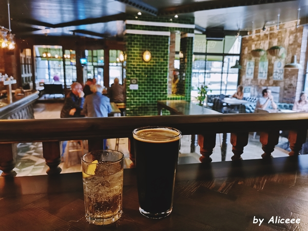 taverna-Gunner-review