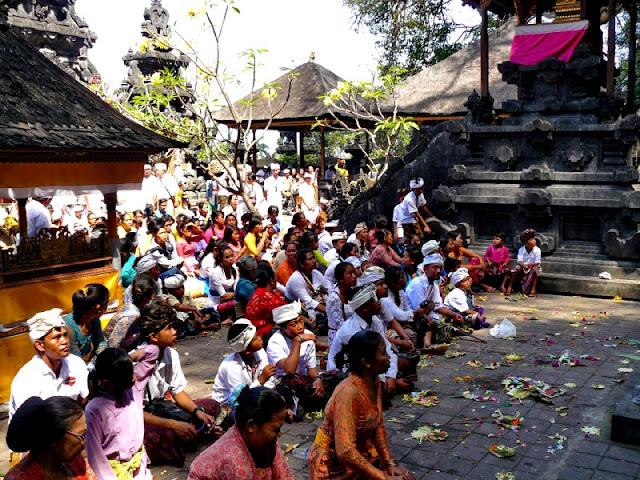 templo de los murcielagos goa lawah bali
