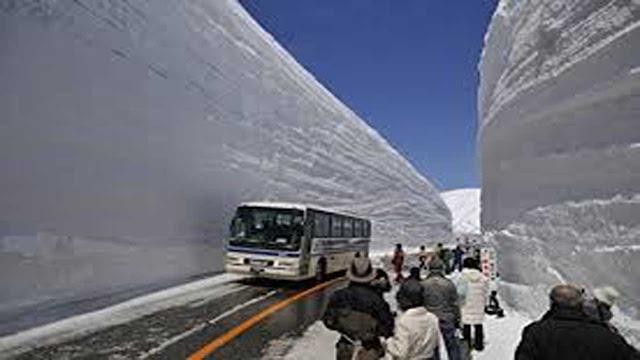 बर्फ कहां पर गिरा,  बर्फ कैसे पड़ती है,  मौसम बर्फ,  बर्फ कहां पर गिरी,  सबसे ज्यादा बर्फ कहां पर है,  टुडे बर्फबारी इन इंडिया,  हिमाचल प्रदेश में बर्फबारी,  भारत में बर्फबारी स्थानों,