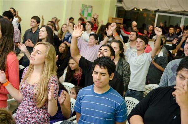 AGENCIA LA VOZ: Cristianos evangélicos: el culto religioso que más ...