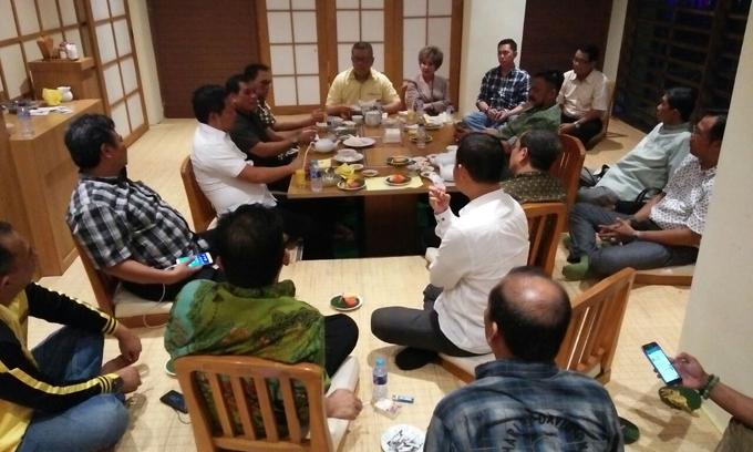 Rapat Hingga Dini Hari, Ini Dia Hasil Kesepakatan NH-Aziz Dengan Parpol Pengusung