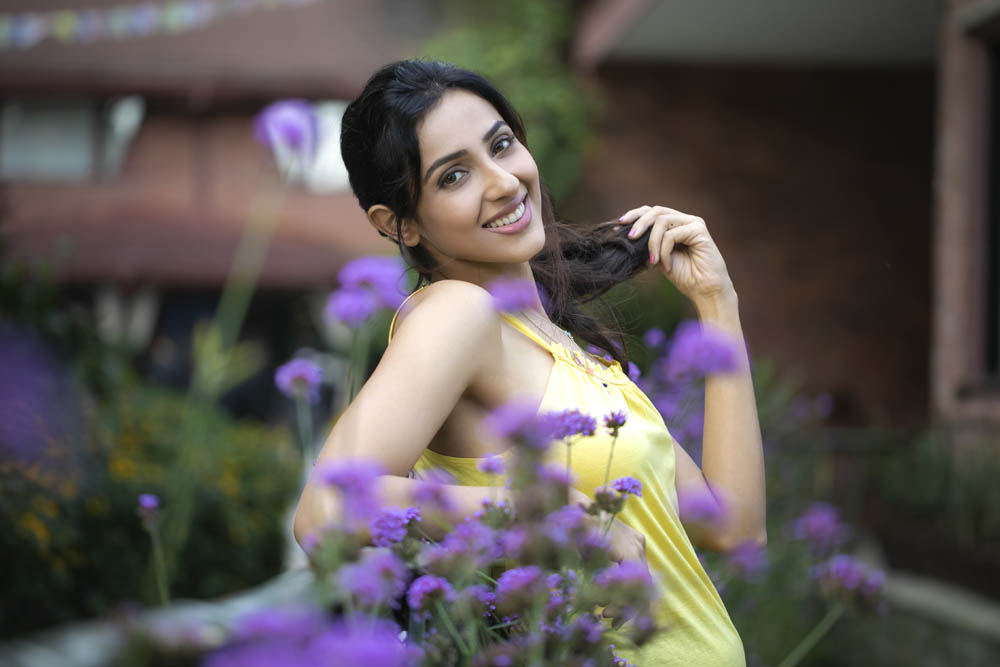 Actress Riya Suman 4K Wallpapers