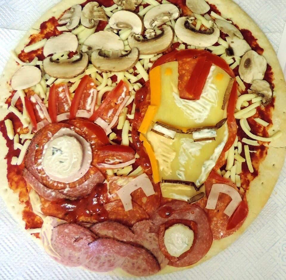 I...am...Pizza IronMan : この週末に自宅でピザでも作ろうと思われている方は、これを参考にアイアンマン・ピザに挑戦してみてはいかがでしょう ? !