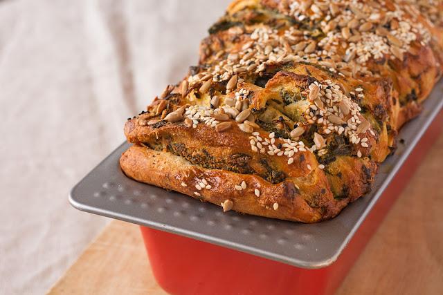Pull-apart hljeb sa spanaćem i sirom