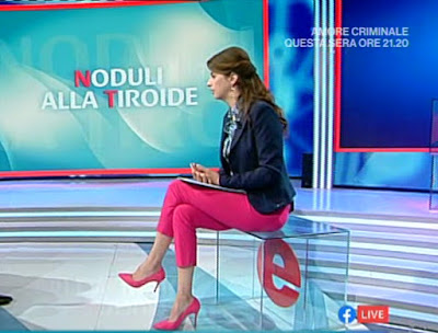 benedetta Rinaldi pantaloni e tacchi rosa