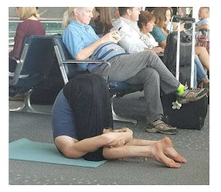 The Most Hilarious Photos Captured At Airport, Airport photo funny, unbelievable photo taken at airport