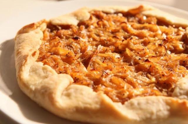 Vegan Caramelized Onion Tart #vegan #dinner