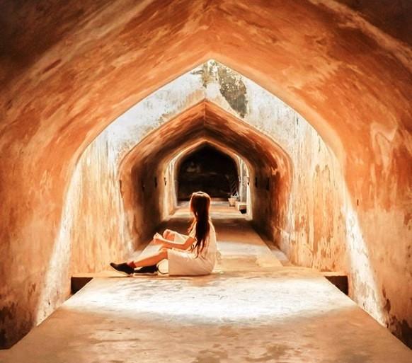 Objek Wisata Sumur Gumuling, Masjid Bawah Tanah